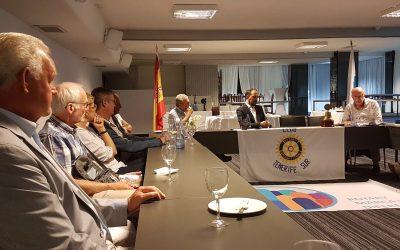 Compañeros Rotarios de Suiza, Suecia y Finlandia visitan nuestro Club.