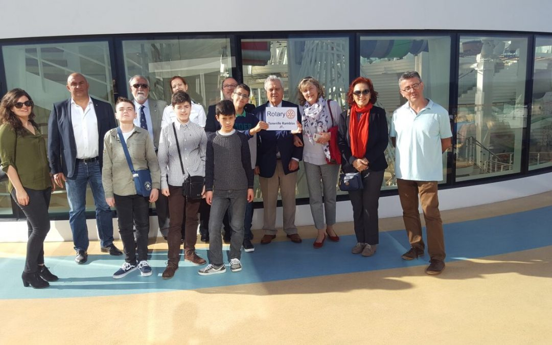 Rotary visita Crucero en Santa Cruz