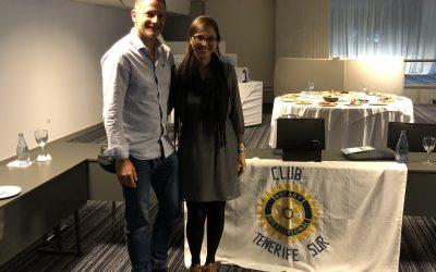 Visita de Romina Rey, psicologa, beneficiaria de las becas instituidas por el Rotary a estudiantes de la Universidad de la Laguna.