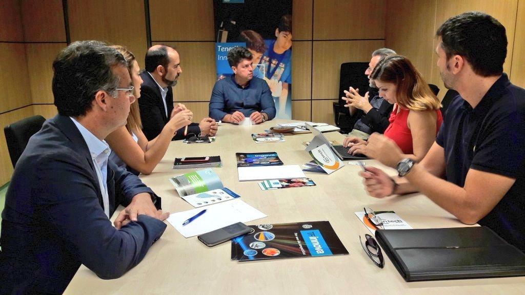 Reunión de miembros de Rotary Tenerife Sur con el Consejero del Cabildo António García Marichal