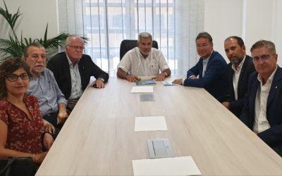Miembros de la directiva del Rotary Club Tenerife Sur Visitan al alcalde de Adeje