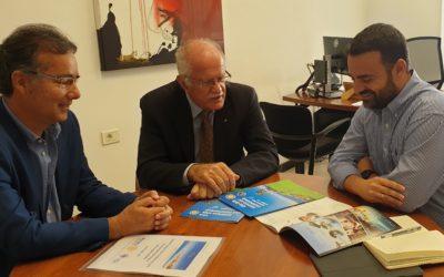 Miembros de la comisión organizadora del Campeonato Europeo de Golf Rotary informan al Director y Coordinador del Pte. del Cabildo de Tenerife