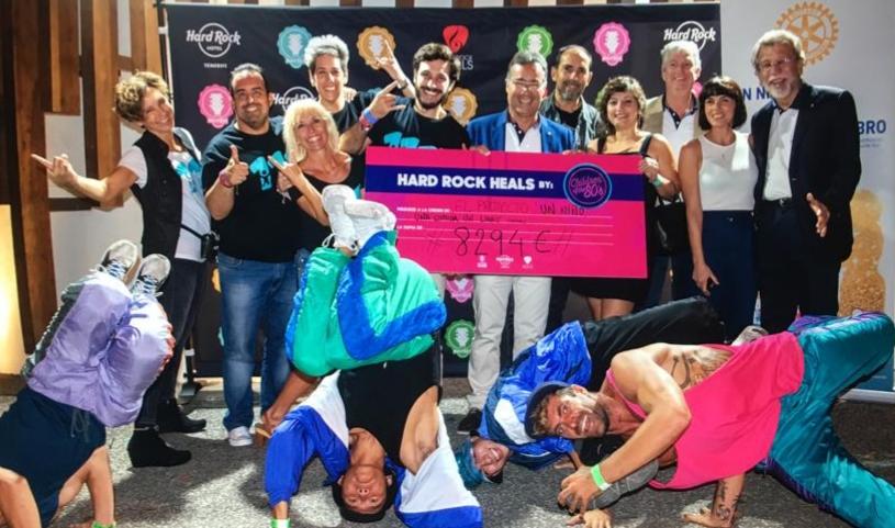 La Gala Solidaria de Hard Rock Hotel consigue 8.294€ para el proyecto Rotario «Un Niño, una Comida, un Libro»
