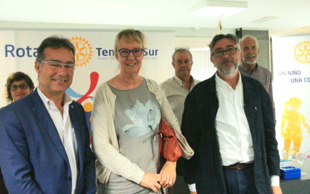 Representantes de la Asociación de Padres de Familias con miembros Discapacitados de Los Olivos visitan al club Rotario