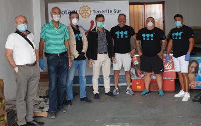 Los Rotarios con la ayuda de un grupo de voluntarios centralizan en un local de Adeje las ayudas en alimentación de emergencia
