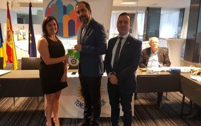 Visita de los compañeros Anthony Gaudi y Maria Fazia San Benedetto del Rotary Club Torino Nord de Italia