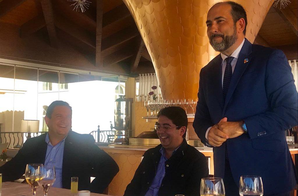 Reunión de trabajo del Gobernador Distrital José Fernandez y miembros de Rotary Club Tenerife Sur con los Alcaldes de Adeje, Arona y Guia de Isora y el Director General de Iberostar en Canarias, Javier Muñoz
