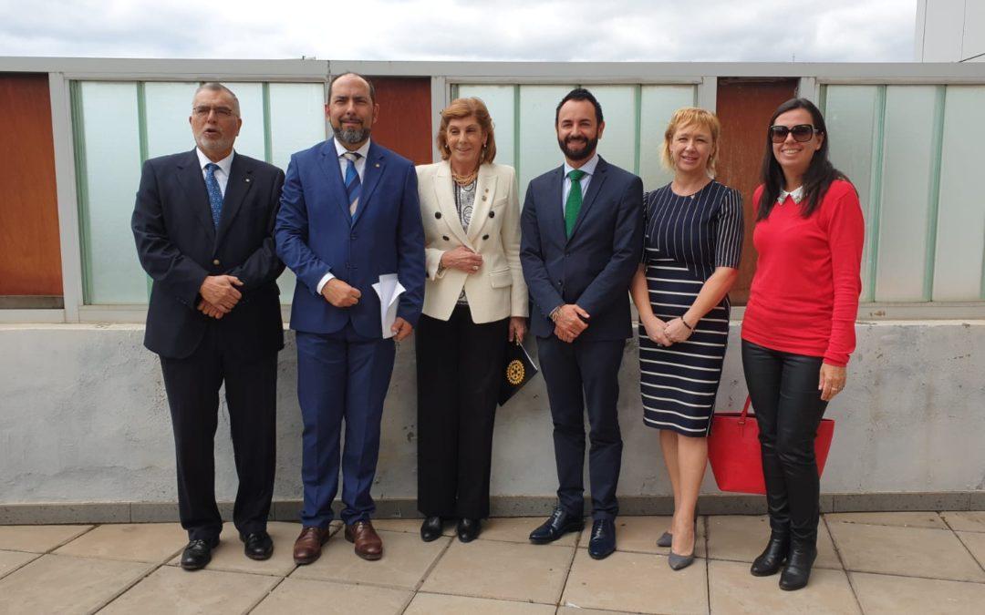 Los Clubes Rotarios de Tenerife colocan la primera piedra del proyecto «La Escuelita» en el Hospital de La Candelaria