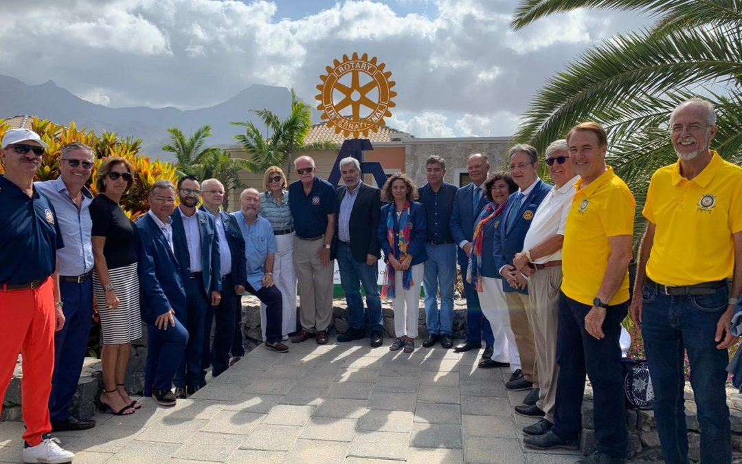 Los rotarios de Tenerife inauguran una escultura en conmemoración del 45° Campeonato Europeo de Golf Rotary