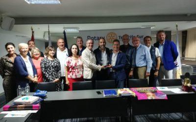 Los rotarios del Sur de Tenerife reconocen la gran labor  de su compañero Eric Viana