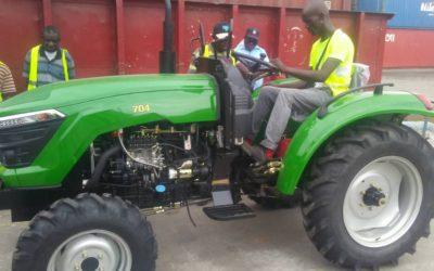 Los clubes rotarios de Tenerife Sur y Toledo colaboran en el envío de un tractor agrícola a la República del Congo