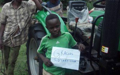 El tractor enviado a la República Democrática del Congo ya está realizando sus funciones