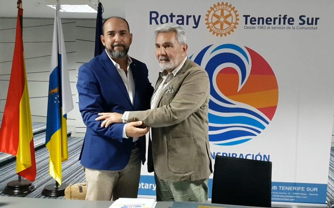 El alcalde de Adeje, José Miguel Rodríguez Fraga, ofrece una conferencia muy personal en el Rotary Club Tenerife Sur