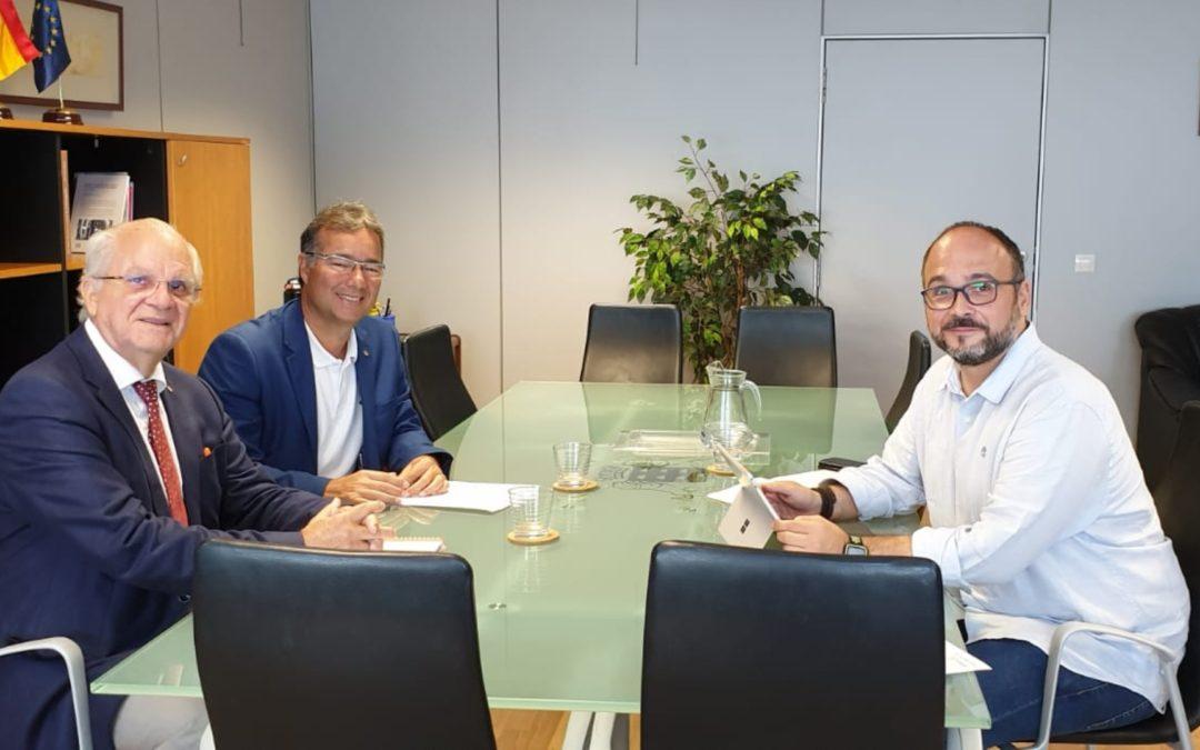 Una comisión de los rotarios de Tenerife se reúne con el consejero de Medioambiente José Antonio Valbuena